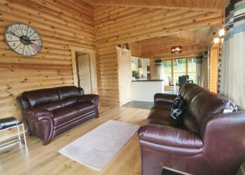 Duncrievie Log Cabins