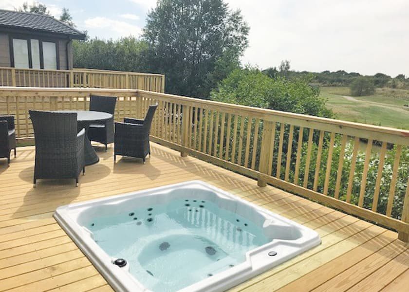 Kingswood Golf Lodges