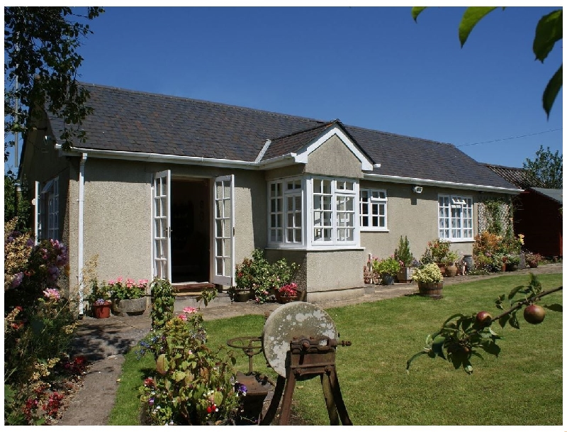 Click here for more about Wolston Cottage