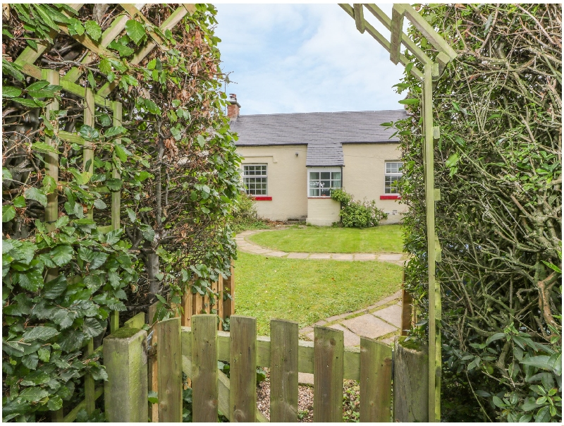 Click here for more about 3 Burnside Cottages